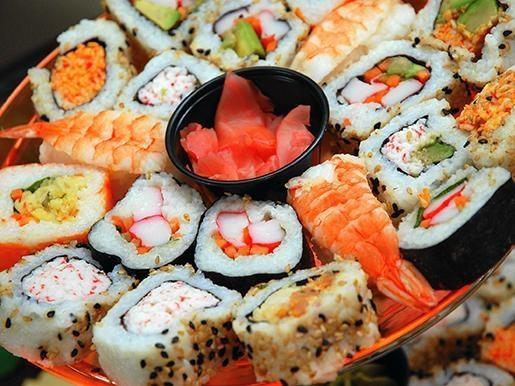 """Все суши, роллы и ассорти-наборы от ресторана доставки """"Рыбин Гуд"""" со скидкой 50"""